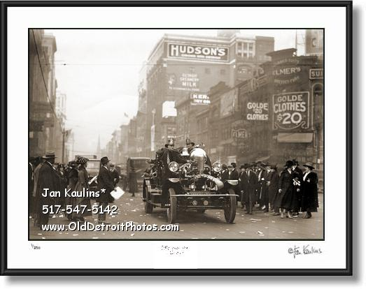 Click on this image to view Old Historic Detroit Rare Photo Print Gallery.