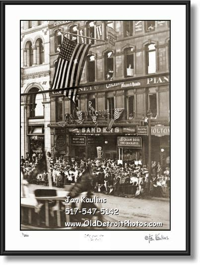Click on this image to see an enlarged view of SANDER'S Detroit Woodward Ave. 1912 photo.