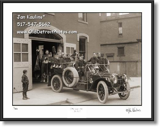 Click on this image to see an enlarged view of OLD DETROIT FIRE DEPARTMENT 1911 Packard.