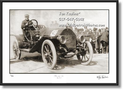 Click on this image to see an enlarged view of CHALMERS-DETROIT Race Car 1908 photo print.