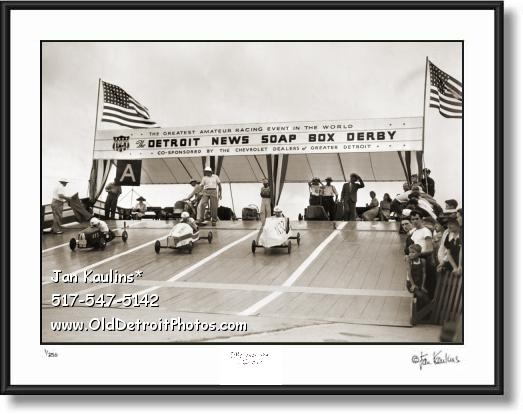 Click on this image to see an enlarged view of 1939 DETROIT SOAP BOX DERBY photo print.