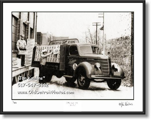 Click on this image to see an enlarged view of VERNOR'S GINGER ALE Old Delivery Truck photo.