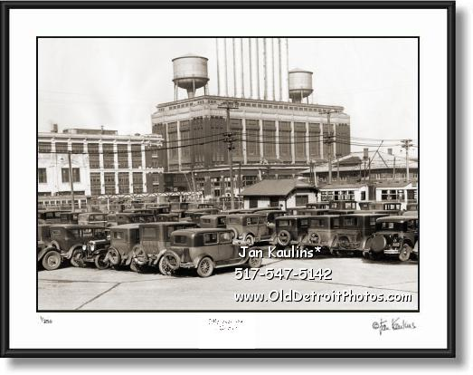 Click on this image to see an enlarged view of HIGHLAND PARK FORD PLANT car lot 1930 photo.