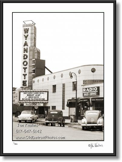 Click on this image to see an enlarged view of WYANDOTTE THEATER PHOTO picture print photo.