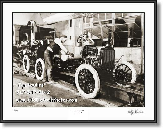 Click on this image to see an enlarged view of FORD ASSEMBLY LINE 1919 photo picture print.