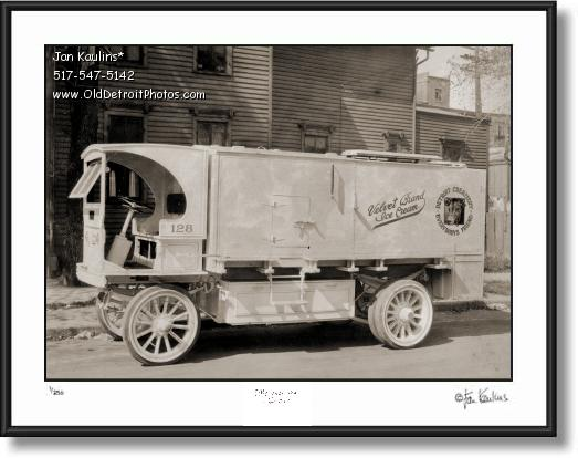 Click on this image to see an enlarged view of DETROIT CREAMERY Old Detroit Creamery photo.