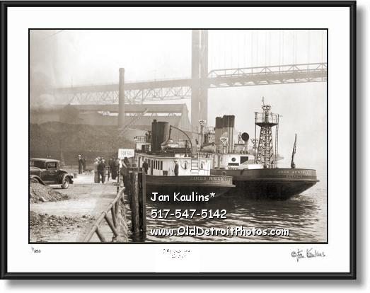 Click on this image to see an enlarged view of VINTAGE DETROIT FIREBOATS 1930 photo picture.
