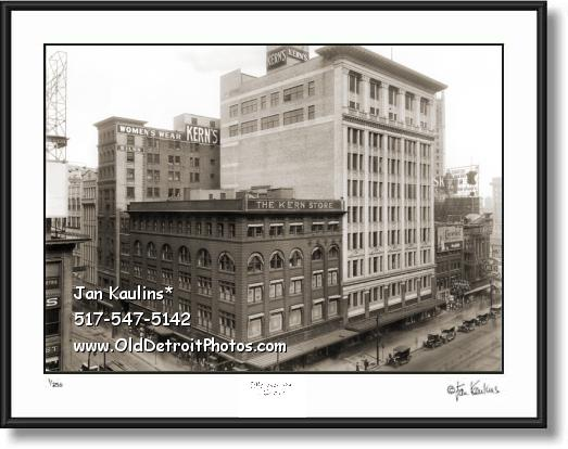 Click on this image to see an enlarged view of KERN'S DEPARTMENT STORE 1920 Detroit photo.