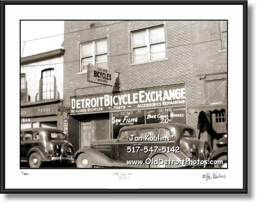 Old DETROIT BICYCLE SHOP 1938 photo picture